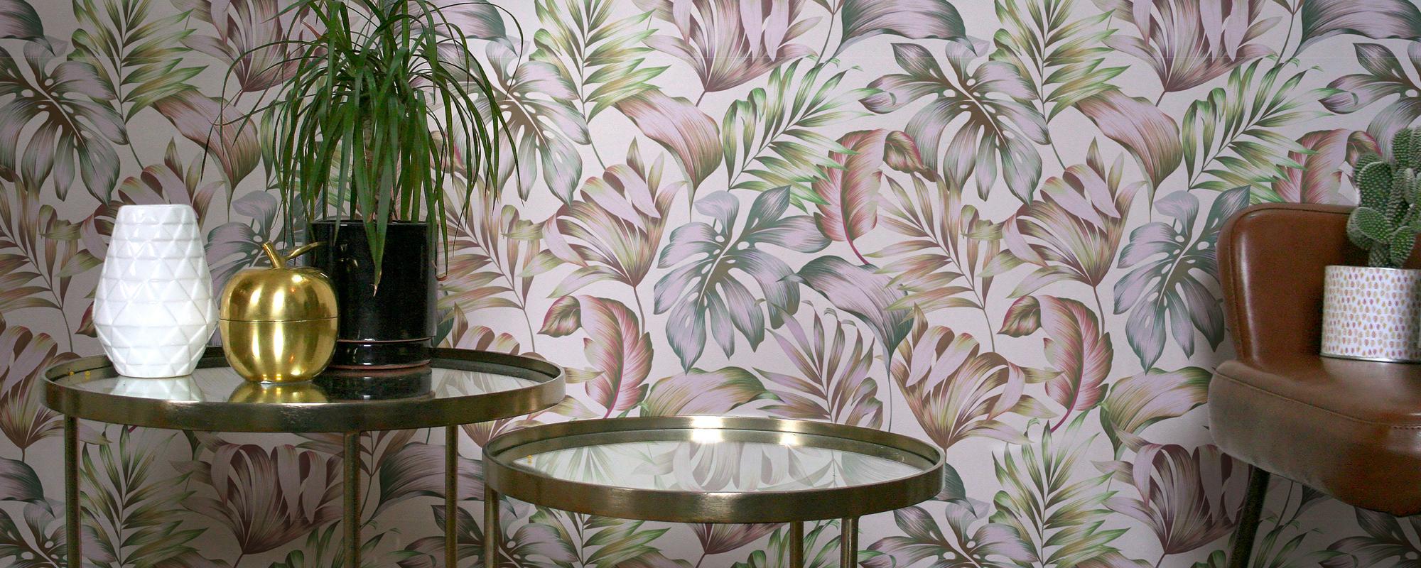 Tiki Wall Rose Poudree Gouache Florale Papier Peint Le Presse