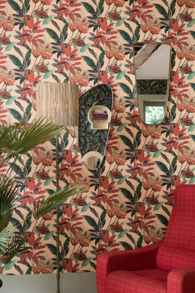 Papier peint floral années 50 avec miroirs vintages par Nathalie Rives x Le Presse Papier